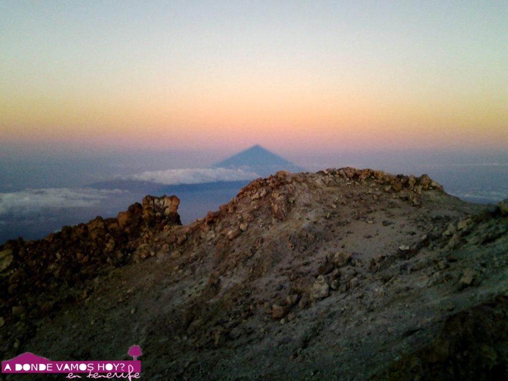 Amanecer en el Pico del Teide (sombra del Teide)