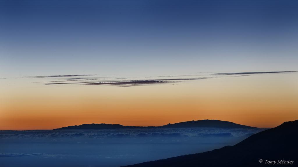 Atardecer en Guajara, con La Palma de fondo (Foto: Tomy Mendez)