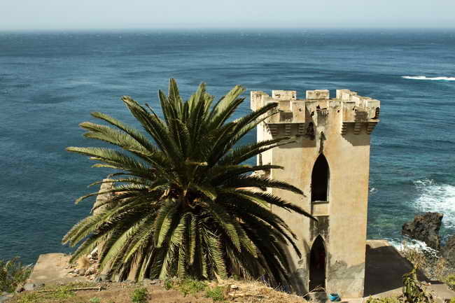 Castillo de Mesas del Mar (Fotografía de Ian Jacobs).